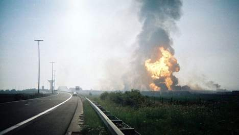 Gas Fire as it could be observed from the nearby highway (image: belga news agency)